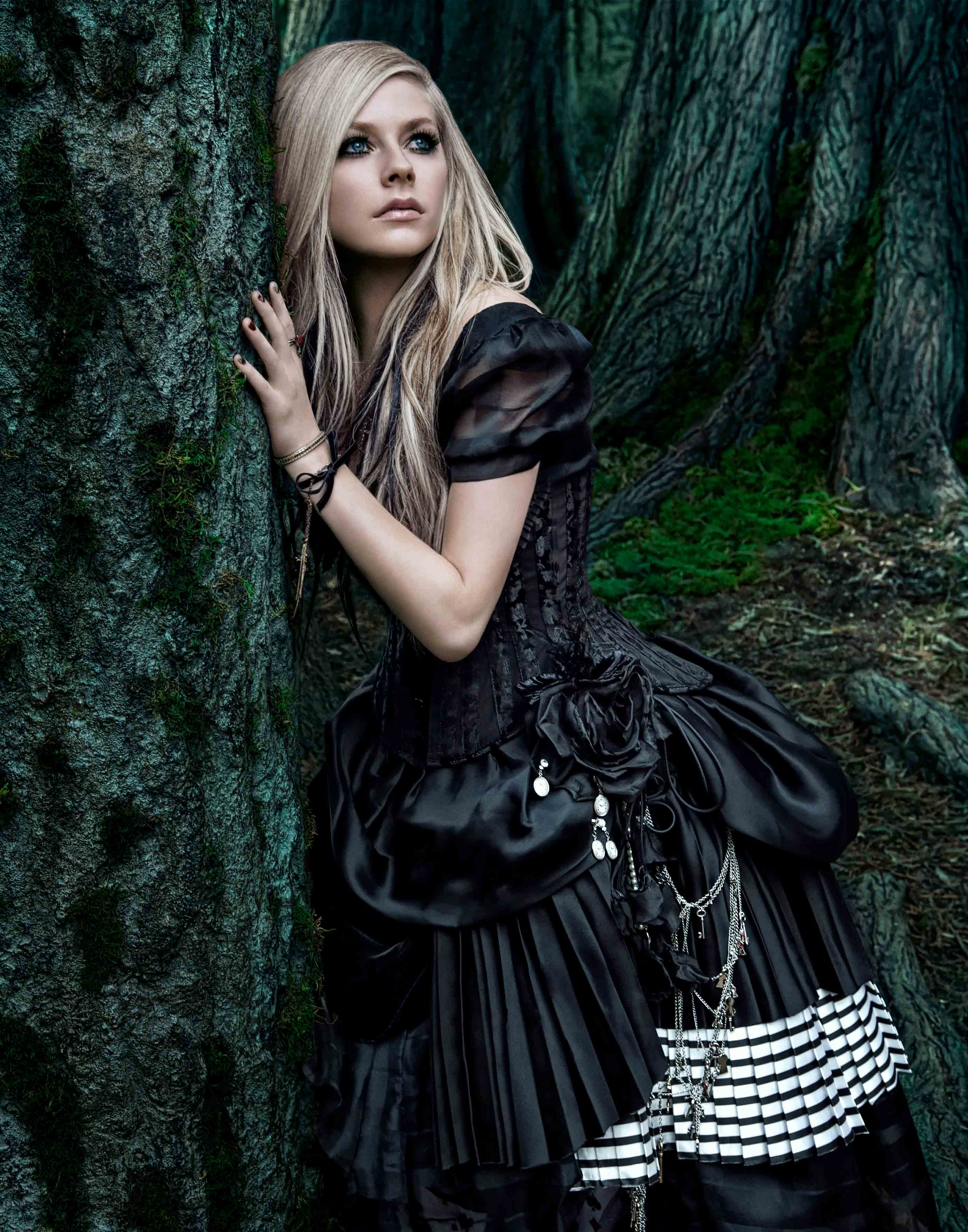 Celebrity &#124 Avril Lavigne Alice